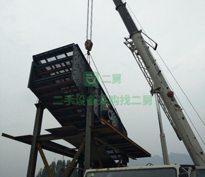转让中联重科25吨吊车4节杆