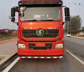 出售二手燃气牵引车18年4月份德龙430马力