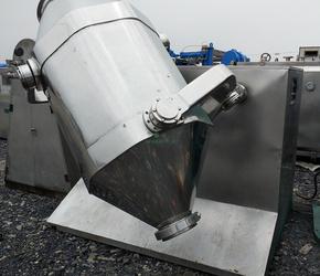 常年低价销售400-1000三维运动混合机二维混合机